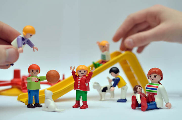 Playmobil | © panthermedia.net /Etienne MENAGER