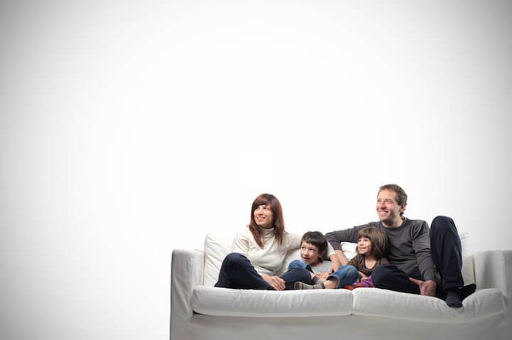 Sofa fuer die ganze Familie | © panthermedia.net / olly18